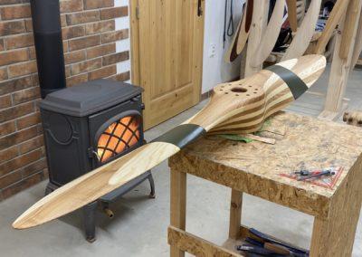 Avia 200cm, dvoubarevná -světlý/jádrový jasan- plátno a olej, před výrobou kování
